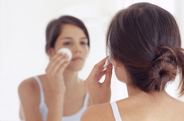 还在羡慕闺蜜的牛奶肌吗?先解决你的毛孔粗大吧!