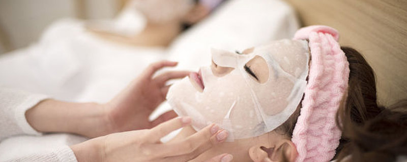 敷清洁面膜时为什么会刺痛 清洁面膜为什么冒泡泡